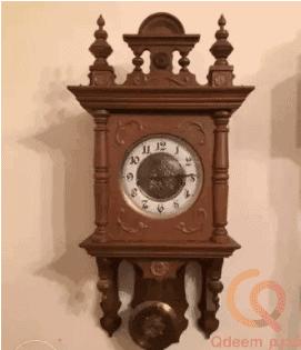 ساعة حائط أثرية من النمسا