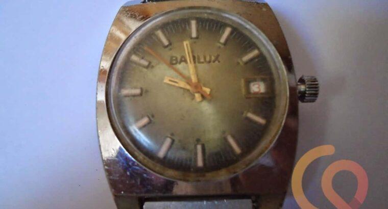 ساعة Balux