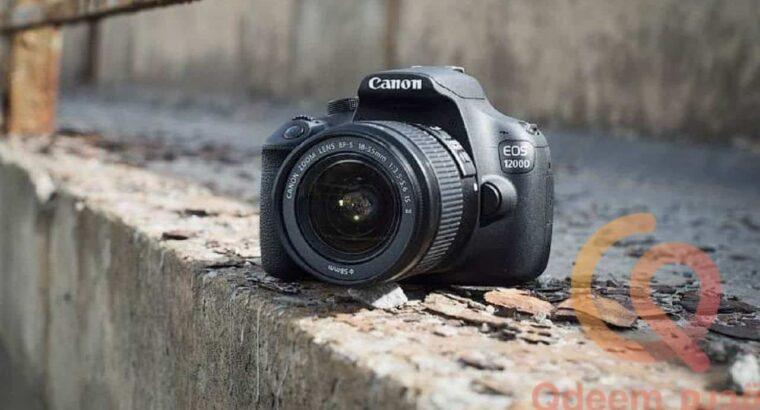 كاميرا كانون قديمة وانيقة