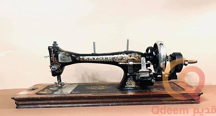 ماكينة خياطه عمرها 118 سنه