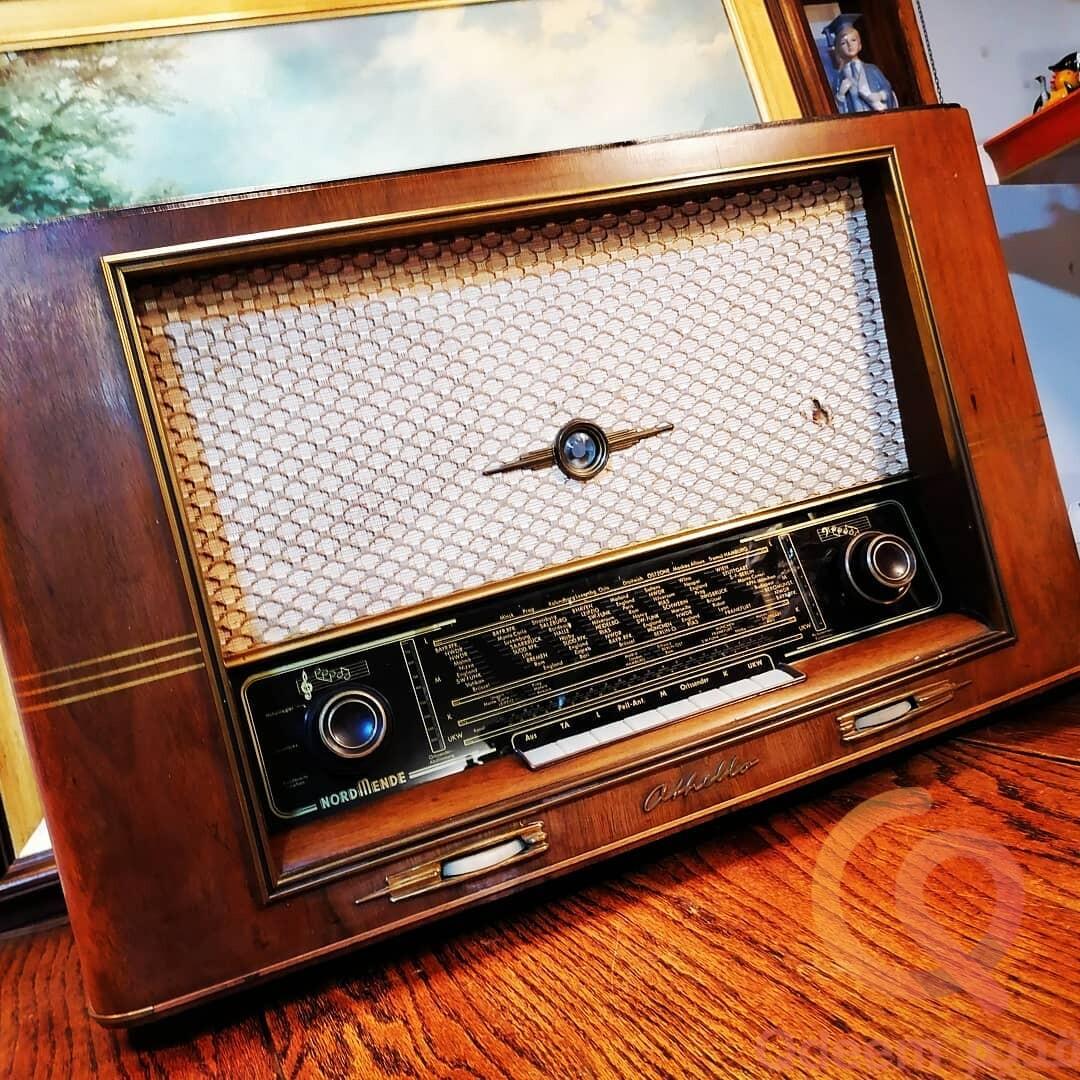 راديو لمبات المانى