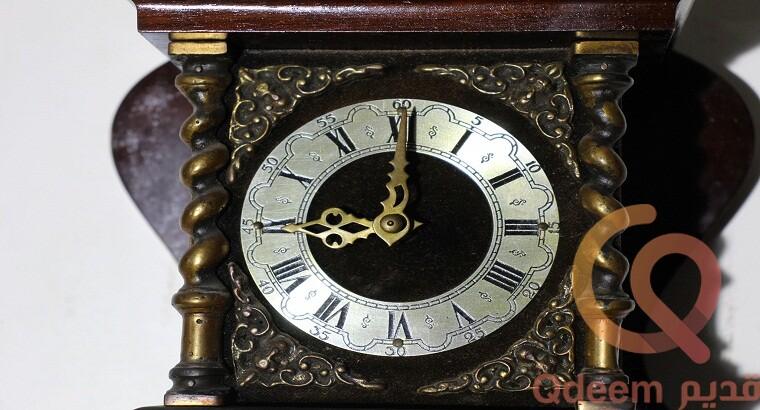 ساعة حائط اطلس